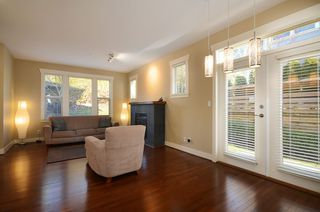 "Photo 7: 229 E QUEENS RD in North Vancouver: Upper Lonsdale Townhouse for sale in ""QUEENS COURT"" : MLS®# V1045877"