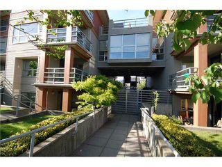 "Photo 2: 408 3161 W 4TH Avenue in Vancouver: Kitsilano Condo for sale in ""BRIDGEWATER"" (Vancouver West)  : MLS®# V1053180"