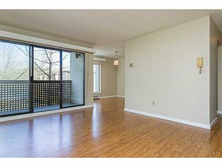 "Photo 7: 303 340 GINGER Drive in New Westminster: Fraserview NW Condo for sale in ""FRASER MEWS"" : MLS®# V1057006"