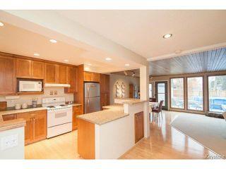 Photo 3: 141 Rossmere Crescent in WINNIPEG: East Kildonan Residential for sale (North East Winnipeg)  : MLS®# 1426019