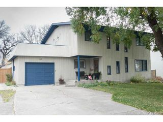 Photo 1: 141 Rossmere Crescent in WINNIPEG: East Kildonan Residential for sale (North East Winnipeg)  : MLS®# 1426019