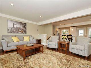 Photo 1: 3524 Henderson Road in VICTORIA: OB Henderson Single Family Detached for sale (Oak Bay)  : MLS®# 347044
