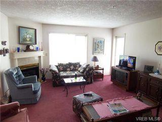 Photo 2: 410 1715 richmond Ave in VICTORIA: Vi Jubilee Condo Apartment for sale (Victoria)  : MLS®# 703475