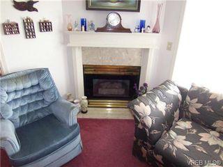 Photo 4: 410 1715 richmond Ave in VICTORIA: Vi Jubilee Condo Apartment for sale (Victoria)  : MLS®# 703475