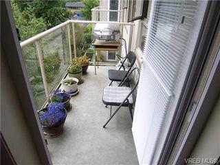 Photo 3: 410 1715 richmond Ave in VICTORIA: Vi Jubilee Condo Apartment for sale (Victoria)  : MLS®# 703475