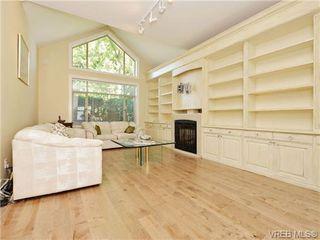 Photo 2: 3864 Cadboro Bay Rd in VICTORIA: SE Cadboro Bay Row/Townhouse for sale (Saanich East)  : MLS®# 707315