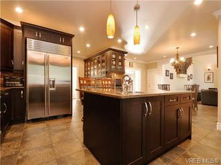 Photo 8: 804 Alvarado Terr in VICTORIA: SE Cordova Bay Single Family Detached for sale (Saanich East)  : MLS®# 722760