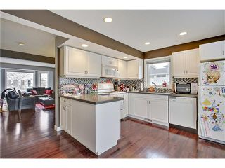 Photo 9: 485 REGAL Park NE in Calgary: Renfrew House for sale : MLS®# C4054318