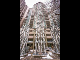 Photo 1: 1701 750 Bay Street in Toronto: Bay Street Corridor Condo for sale (Toronto C01)  : MLS®# C3458736