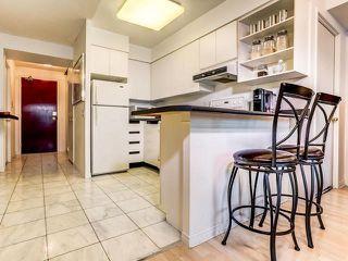 Photo 3: 1701 750 Bay Street in Toronto: Bay Street Corridor Condo for sale (Toronto C01)  : MLS®# C3458736