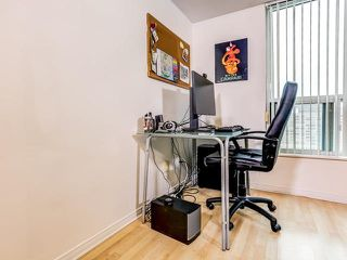 Photo 4: 1701 750 Bay Street in Toronto: Bay Street Corridor Condo for sale (Toronto C01)  : MLS®# C3458736