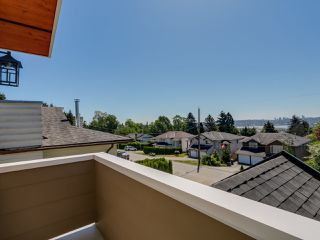 "Photo 18: 959 DELESTRE Avenue in Coquitlam: Maillardville House 1/2 Duplex for sale in ""WEST COQUITLAM"" : MLS®# R2067199"