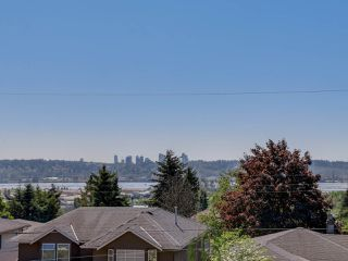 "Photo 17: 959 DELESTRE Avenue in Coquitlam: Maillardville House 1/2 Duplex for sale in ""WEST COQUITLAM"" : MLS®# R2067199"