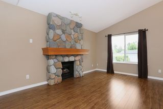 Photo 5: 23712 DEWDNEY TRUNK Road in Maple Ridge: Cottonwood MR House for sale : MLS®# R2081362