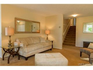 Photo 4: 2441 Costa Vista Pl in VICTORIA: CS Tanner Single Family Detached for sale (Central Saanich)  : MLS®# 739744