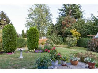Photo 2: 2441 Costa Vista Pl in VICTORIA: CS Tanner Single Family Detached for sale (Central Saanich)  : MLS®# 739744