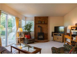 Photo 10: 2441 Costa Vista Pl in VICTORIA: CS Tanner House for sale (Central Saanich)  : MLS®# 739744