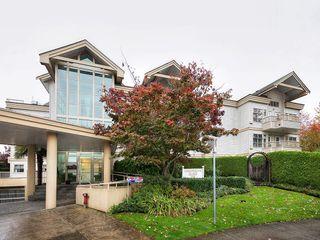 Photo 1: 303 1118 55 Street in Delta: Tsawwassen Central Condo for sale (Tsawwassen)  : MLS®# R2117872