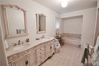 Photo 7: Marie Commisso 33 Dicarlo Drive in Vaughan: Maple House for sale : MLS # N3645405