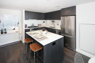 "Photo 3: 910 111 E 1ST Avenue in Vancouver: Mount Pleasant VE Condo for sale in ""Block 100"" (Vancouver East)  : MLS®# R2125894"