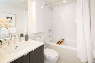 """Photo 12: 910 111 E 1ST Avenue in Vancouver: Mount Pleasant VE Condo for sale in """"Block 100"""" (Vancouver East)  : MLS®# R2125894"""