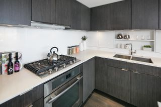 "Photo 4: 910 111 E 1ST Avenue in Vancouver: Mount Pleasant VE Condo for sale in ""Block 100"" (Vancouver East)  : MLS®# R2125894"