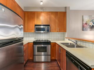"""Photo 3: 1306 4655 VALLEY Drive in Vancouver: Quilchena Condo for sale in """"ALEXANDRA HOUSE"""" (Vancouver West)  : MLS®# R2133417"""
