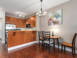 """Photo 5: 1306 4655 VALLEY Drive in Vancouver: Quilchena Condo for sale in """"ALEXANDRA HOUSE"""" (Vancouver West)  : MLS®# R2133417"""