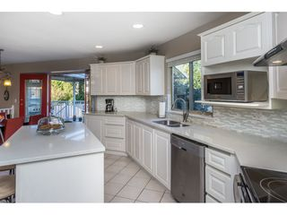 """Photo 10: 12339 63A Avenue in Surrey: Panorama Ridge House for sale in """"Boundary Park"""" : MLS®# R2139160"""