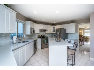 """Photo 7: 12339 63A Avenue in Surrey: Panorama Ridge House for sale in """"Boundary Park"""" : MLS®# R2139160"""