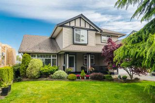 Photo 1: 18449 68 Avenue in Surrey: Cloverdale BC House for sale (Cloverdale)  : MLS®# R2163355