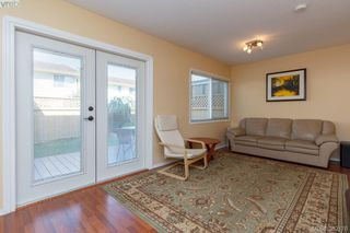 Photo 3: 10 10046 Fifth Street in SIDNEY: Si Sidney North-East Townhouse for sale (Sidney)  : MLS®# 382178