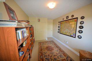Photo 11: 303 1050 Park Blvd in VICTORIA: Vi Fairfield West Condo for sale (Victoria)  : MLS®# 770112