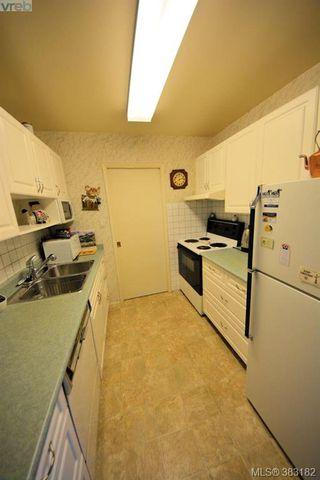 Photo 13: 303 1050 Park Blvd in VICTORIA: Vi Fairfield West Condo for sale (Victoria)  : MLS®# 770112