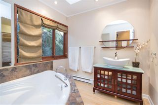 Photo 12: 1610 ROXBURY Road in North Vancouver: Deep Cove House for sale : MLS®# R2213763