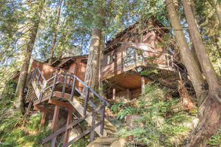 Photo 1: 1610 ROXBURY Road in North Vancouver: Deep Cove House for sale : MLS®# R2213763