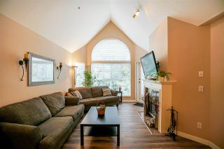 """Photo 3: 409 7435 121A Street in Surrey: West Newton Condo for sale in """"STRAWBERRY HILLS"""" : MLS®# R2215560"""