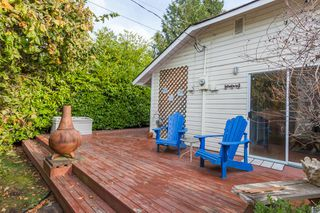 "Photo 19: 2873 MCKENZIE Avenue in Surrey: Crescent Bch Ocean Pk. House for sale in ""CRESCENT BEACH"" (South Surrey White Rock)  : MLS®# R2218182"