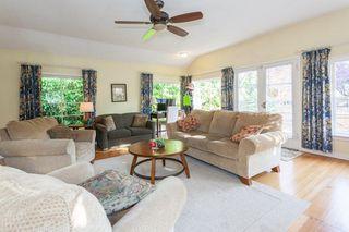 "Photo 5: 2873 MCKENZIE Avenue in Surrey: Crescent Bch Ocean Pk. House for sale in ""CRESCENT BEACH"" (South Surrey White Rock)  : MLS®# R2218182"
