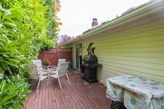 "Photo 16: 2873 MCKENZIE Avenue in Surrey: Crescent Bch Ocean Pk. House for sale in ""CRESCENT BEACH"" (South Surrey White Rock)  : MLS®# R2218182"