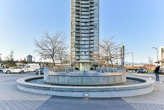 "Photo 2: 304 9981 WHALLEY Boulevard in Surrey: Whalley Condo for sale in ""Park Place"" (North Surrey)  : MLS®# R2238145"