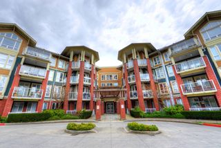 """Main Photo: 208 14 E ROYAL Avenue in New Westminster: Fraserview NW Condo for sale in """"VICTORIA HILL"""" : MLS®# R2244673"""