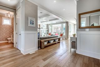 Photo 3: 1423 EDINBURGH Street in New Westminster: West End NW House for sale : MLS®# R2262380