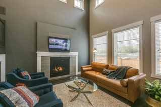 "Photo 3: 39220 FALCON Crescent in Squamish: Brennan Center House for sale in ""Ravenswood"" : MLS®# R2289824"