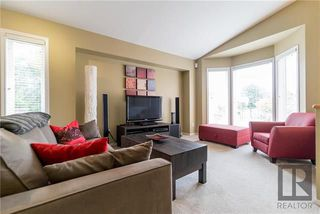Photo 3: 99 Meadowbank Road in Winnipeg: Whyte Ridge Residential for sale (1P)  : MLS®# 1822457