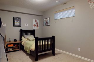 Photo 19: 904 CHAHLEY Crescent in Edmonton: Zone 20 House for sale : MLS®# E4129266