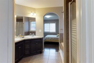Photo 12: 904 CHAHLEY Crescent in Edmonton: Zone 20 House for sale : MLS®# E4129266
