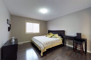 Photo 11: 904 CHAHLEY Crescent in Edmonton: Zone 20 House for sale : MLS®# E4129266