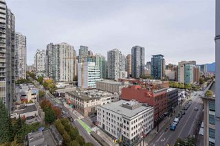 "Photo 2: 1709 928 BEATTY Street in Vancouver: Yaletown Condo for sale in ""YALETOWN"" (Vancouver West)  : MLS®# R2313221"