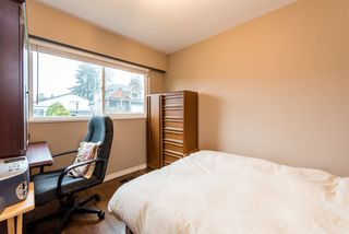 Photo 16: 2040 BLANTYRE Avenue in Coquitlam: Central Coquitlam House for sale : MLS®# R2320271